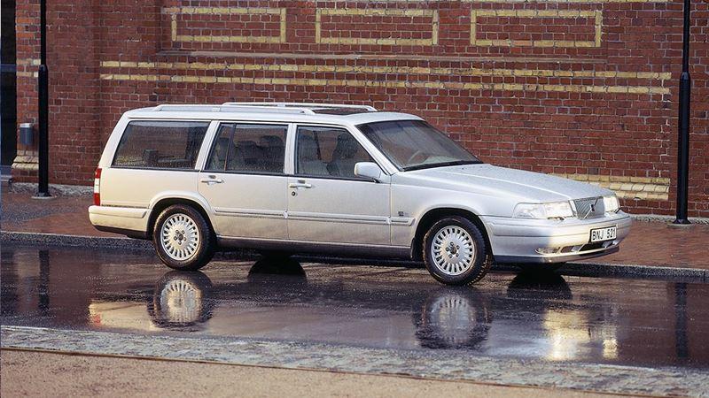 Volvo History. Volvo V90